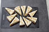 Gooseberry oil-sponge cake