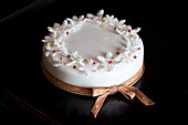 Beautifully decorated Christmas cake with bow