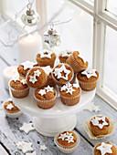 Weihnachtliche Fruit Mince Cupcakes mit Fondant-Sterndeko