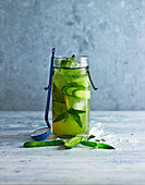 Cucumber iced green tea