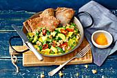 Hähnchencurry mit Zucchini, Walnüssen und Buchweizencrepes