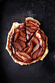 Spicy quince tarte tatin