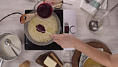 Rote-Bete-Risotto mit Gorgonzolasauce