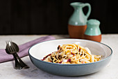 Spaghetti with mushrooms and radicchio