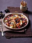 Fenchel-Radicchio-Salat mit Trauben und Garnelen