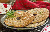 Flaxseed crispbread with salt and rosemary