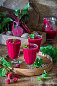 Rote-Bete-Himbeer-Smoothies