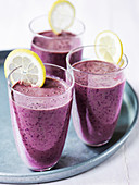 Blueberry smoothie with lemon