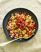 Salat mit dicken Bohnen, Staudensellerie und Chorizo