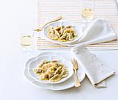 Tortelli cremaschi (Nudeltäschchen mit salzig-süsser Füllung, Italien)
