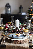 Inspiring christmas decorating table