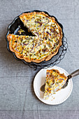 Low-carb leek tart with flaxseeds