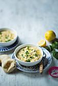 Hähnchen-Reis-Suppe mit Kritharaki und Zitrone (Griechenland)