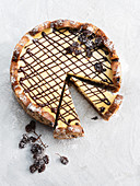 Cheesecake with chocolate, rum and raisins