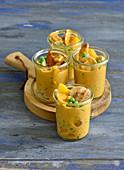 Backofensuppe mit Pute, Pfirsich und Curry