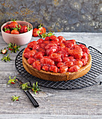 Strawberry tart with tart glaze