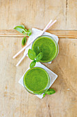 Green smoothie shots