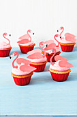 Flamingo cupcakes with cream cheese topping
