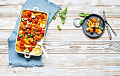 Roast vegetables with chicken and thyme