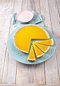 Lemon tart with lemon curd