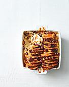 Pancake-Pudding mit Schokolade, Pekannuss und Karamell