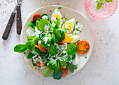 Lamb's lettuce with egg and carrots