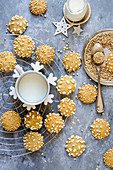 Cookies with puffed cereals