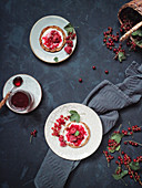 Bread rolls with redcurrant and raspberry jam