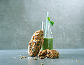 Spinach focaccia and a green smoothie