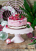 Ice cream cake with cranberries (Christmas)