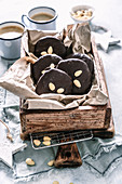 Elisenlebkuchen in Holzkiste