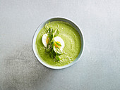 Cream of broccoli and spinach soup with egg (low carb)