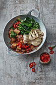 Buckwheat noodles with tofu and vegetables