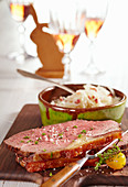 Oven-roasted beef with Spanish coleslaw