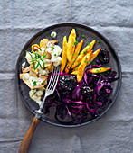 Dumplings with figs, red cabbage, and mushrooms