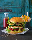 Veggie-Burger mit Pommes