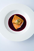 Red mullet in red cabbage sauce