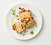 Bread and salmon cake with herbs