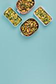 Grüner Spargel 'To Go' 2x anders - im Kartoffelsalat un mit Tortellini