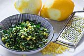 Gremolata with lemon zest, parsley and garlic (close-up)