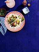 Calamari-Mais-Tacos mit Salsa Verde (Mexiko)