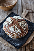 Bummlerbrot (wheat bread baked without kneading, in a pot, vegan)