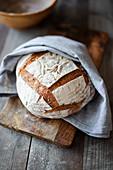 Spelt bread baked in a pot (vegan)