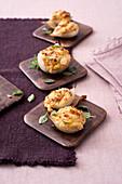 Cipolle ripiene alla ligure (stuffed onions, Italy)