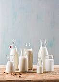Verschiedene vegane Milchersatzsorten