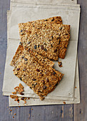 Seeded oat crispbread