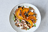 Lentil salad with pumpkin and goat's cheese