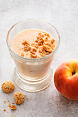 Peach and almond shake with amarettini