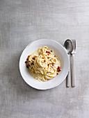 Spaghetti alla Carbonara (One Pot Pasta)