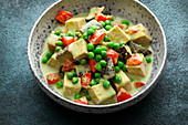 Green vegetable curry with tofu